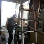 ガラスの開梱、クリーニングはMayaの担当でした。No.1 JPタワー積層ガラス(C)Atelier Vis-à-Vis