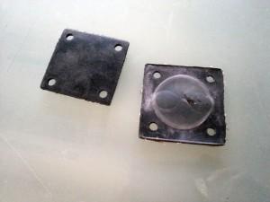 サンドブラスト・フットバルブ 分解修理 ゴムシート交換 20130518_151728