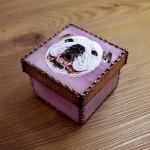 モティーフ:E.Bulldog PURIN 一部:t1.2 銅板 刻印入り 横7cm×縦7cm×高さ5cm Full custom made system Stained Glass Box : DOMUCA Design No.2