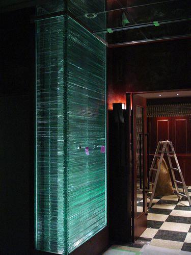 チャナスクエアー シュラスコレストラン 積層ガラス