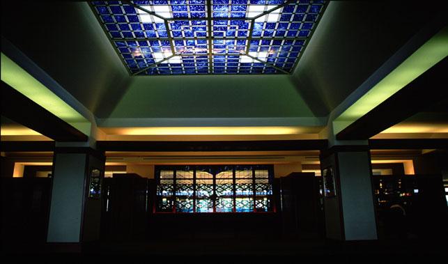 ワールドエース CC 琵琶池 ステンドグラス