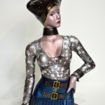 月夜見:Tsukuyomi 2013 銅、ガラス、金属箔粉、ジルコニア  W340×D200×H580 mm (C)Maya's 鍛金・ガラス造形作家 若林 真耶