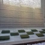 旗の台シニア住宅・水景 積層ガラスのテーブル