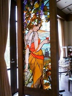 オークビレッジ・柏の葉  Mucha 原画による絵付けステンドグラス / 表面