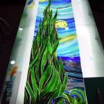 《小出邸 ゴッホ・糸杉のステンドグラス》右側部のガラスカット終了
