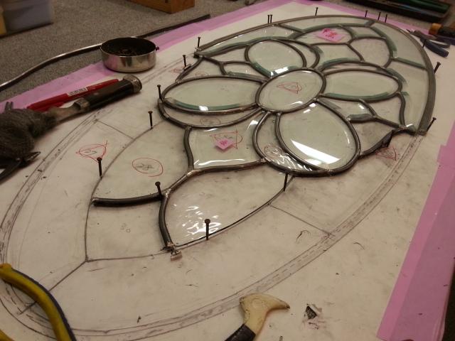 作り直した面取りガラスをケイム組します。その2