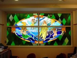 8階建てのビルの2F〜7Fまでの窓にステンドグラスを取付ました。 デザイン: 細川 篤 氏・6階:聴覚 (Hearing) w2850 h1451