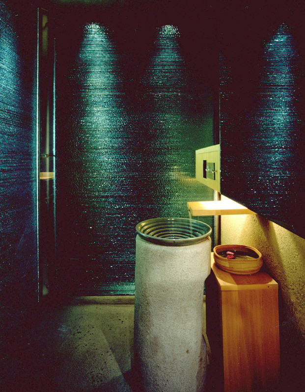 だいこんや・三軒茶屋店 トイレ ガラス壁 サイズ:W1223 x H2050 x D80 , W696 x H2050 x D80 , W689 x H2050 x D80 その2