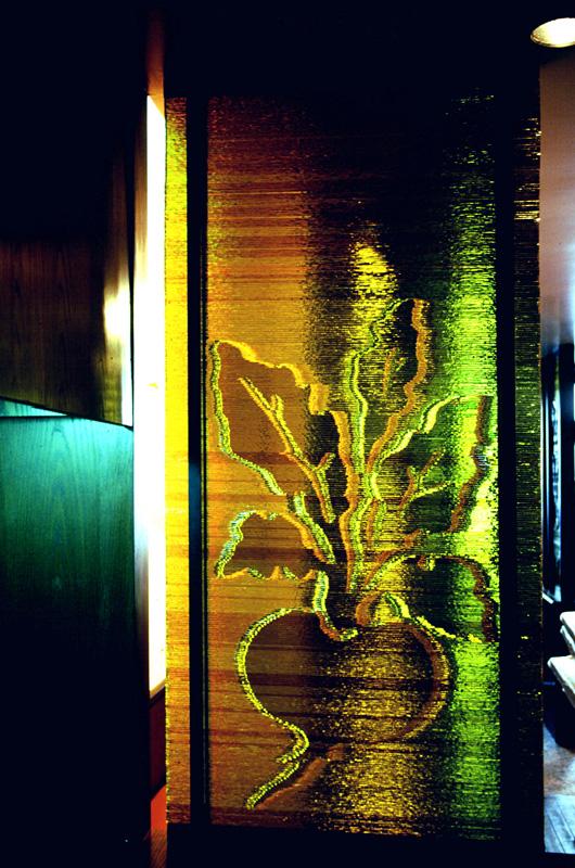 アンバーのキャセドラルを使用した積層ガラスのパーティション サイズ:w550 × h2200 かぶらや(大塚)