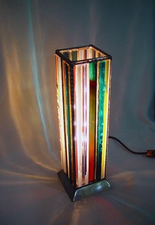品番:Quadratic Prism Light 001 材質:ガラス 技法:フュージング、ステンドグラス、カッパーフォイル技法による組み立て サイズ:80x80x280 mm No.2