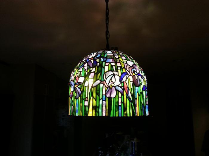 アイリスのステンドグラス ランプシェード・納品しました