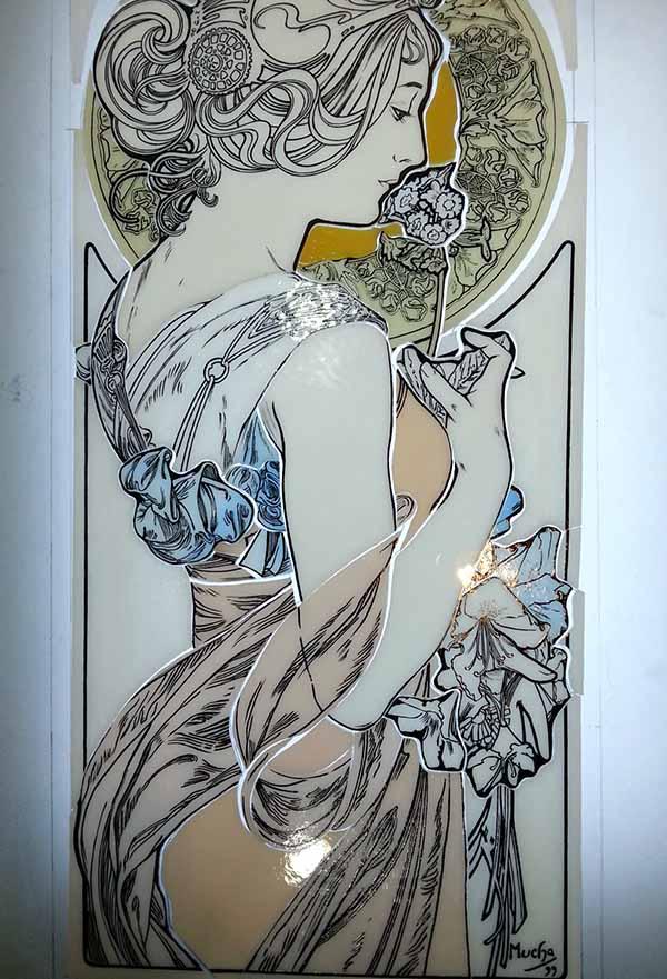 エナメル絵付けのステンドグラス ミュシャ・桜草 グリザイユで線描