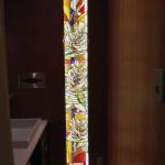 アルカディア歯科・町田 ステンドグラス、パウダーブースのパネル取り付け