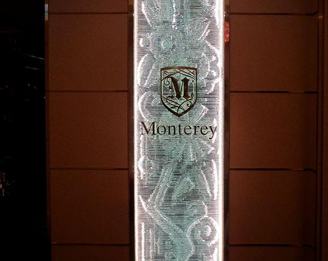 銀座・Monterey 積層ガラスのパーティション02 (C)Vis-aVis